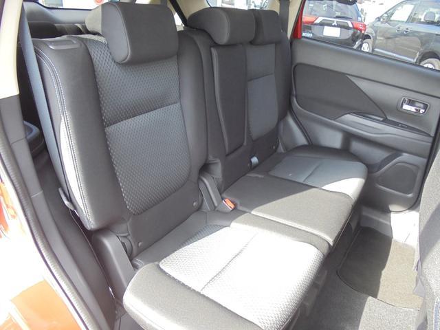 24Gセーフティパッケージ 元社有車 4WD(15枚目)