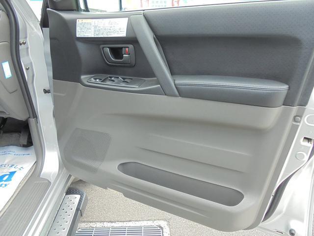 運転席リヤドアパネルの画像です。