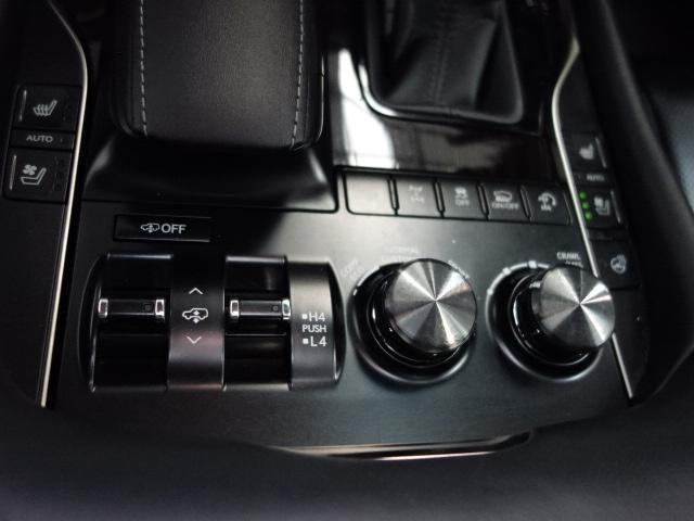 LX570 1オーナー22AWエアサスコントローラーマークレビンソンナビTVBカメラレザーサンルーフクールボックスレーダーkルーズパワーバックドアオーバーフェンダー(15枚目)