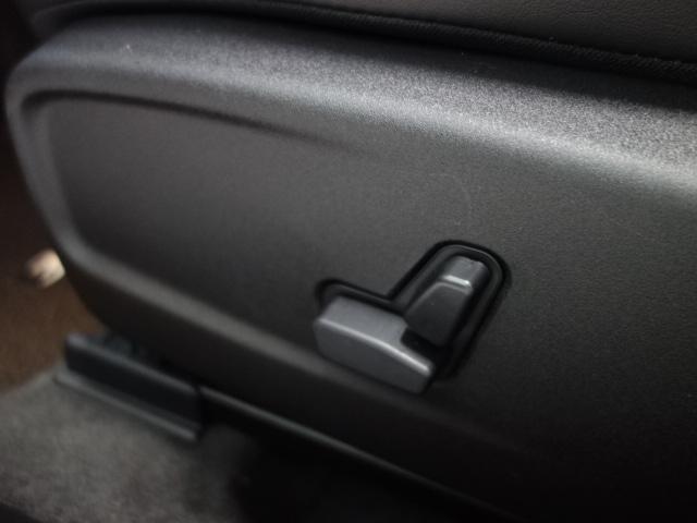 「クライスラー」「クライスラー300」「セダン」「兵庫県」の中古車38