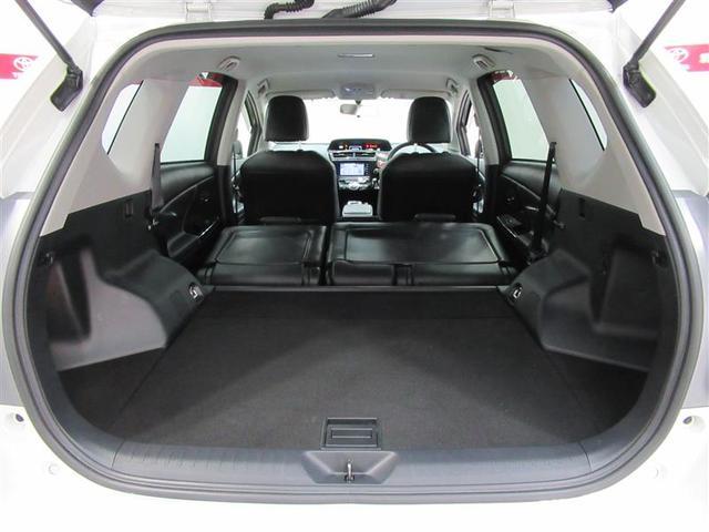 後部座席を倒せば荷室を更に拡大。大きな荷物でも対応でき、使い勝手も拡張できます