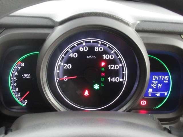 G CDプレーヤー オートエアコン 電動格納ミラー 14インチアルミ ベンチシート チップアップシート オートエアコン ワンオーナー スマートキー アイドリングストップ(6枚目)