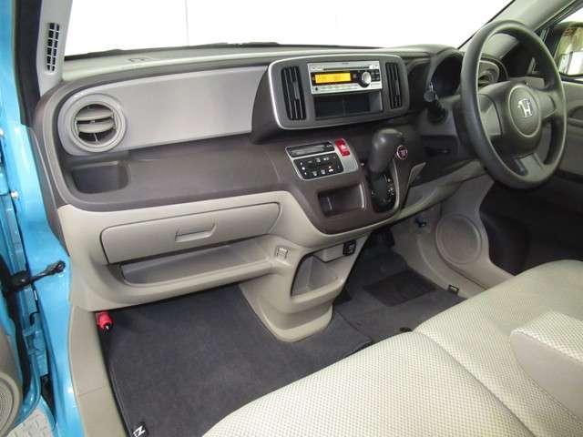 G CDプレーヤー オートエアコン 電動格納ミラー 14インチアルミ ベンチシート チップアップシート オートエアコン ワンオーナー スマートキー アイドリングストップ(13枚目)