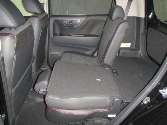 ★後席分割収納★後席は、左右分割で収納できるので、荷物を積む際に便利です。