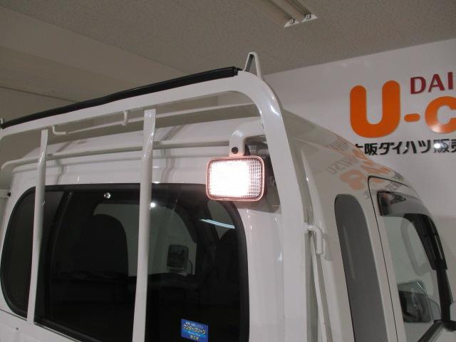 荷台照明が付いていますから、夜間の荷台の確認がやりやすいです。