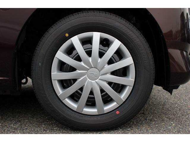 急ブレーキ時に車輪ロックを防ぐABS。前後左右輪にブレーキ力を最適に分配し、常に安定した制動力を生むEBD機能つきです。