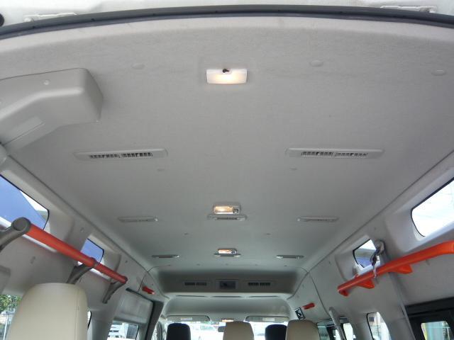 チェアキャブ 車いす移動車/電動スロープ/車いす2基固定装着/オートステップ/乗車定員10人/キーレス(13枚目)