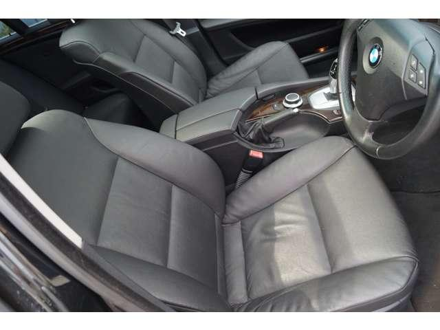 BMW BMW 525iツーリングハイラインパッケージ 黒革 ナビ HID