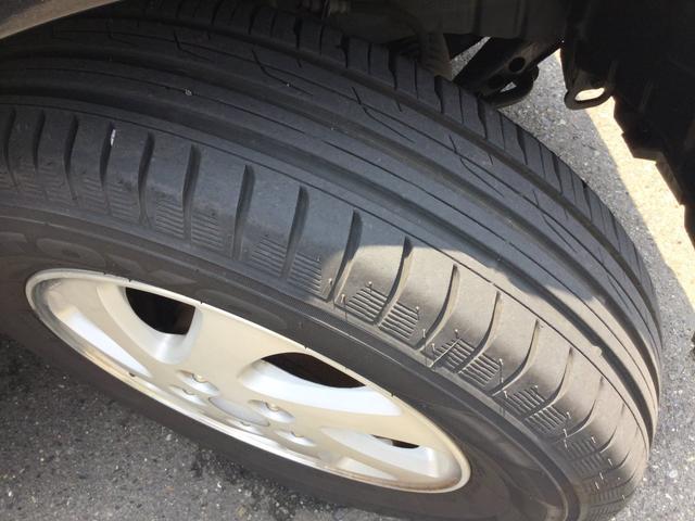タイヤ残量7分山程度あります。