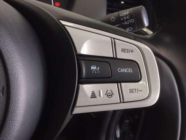 e:HEVホーム 純正Gathers 9インチナビ(VXU-205FTI) LEDヘッドライト Honda   CONNECT for Gathers ナビ装着用スペシャルパッケージ 当社デモカー ホンダセンシング(7枚目)