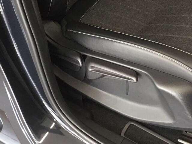 e:HEVホーム 純正Gathers 9インチナビ(VXU-205FTI) LEDヘッドライト Honda   CONNECT for Gathers ナビ装着用スペシャルパッケージ 当社デモカー ホンダセンシング(8枚目)