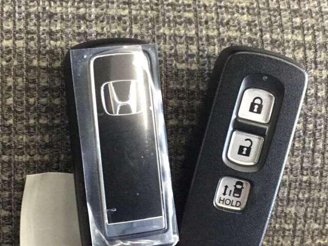 G・Lホンダセンシング 純正Gathers7インチナビ(VXM-204VFI) ナビ装着用スペシャルパッケージ  ETC車載器 運転席助手席シートヒーター リア左側パワースライドドア リアカメラ フルセグ 当社デモカー(14枚目)