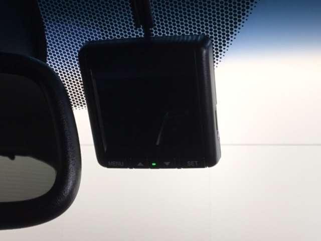 ハイブリッドZ・ホンダセンシング Hondaインターナビ リンクアップフリー 運転席助手席シートヒーター LEDヘッドライトフォグライト 本革シート 17インチAW ルーフレール 運転席8way助手席4wayパワーシート リヤカメラ(5枚目)
