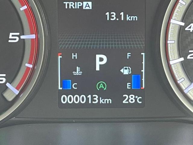 4WD P 電動サイドステップ/全方位モニター/両側Pドア/電動リアゲート/レーダークルーズ/パドルシフト/両側電動スライドドア/イーアシスト(ミツビシ)/車線逸脱防止支援システム ターボ 登録済未使用車(13枚目)