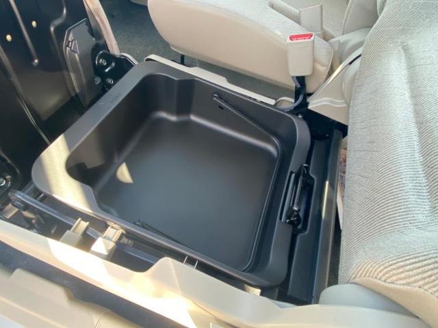 FX 衝突被害軽減ブレーキ/EBD付ABS/横滑り防止装置/アイドリングストップ/エアバッグ 運転席/エアバッグ 助手席/衝突安全ボディ/パワーウインドウ/エンジンスタートボタン/オートエアコン(9枚目)