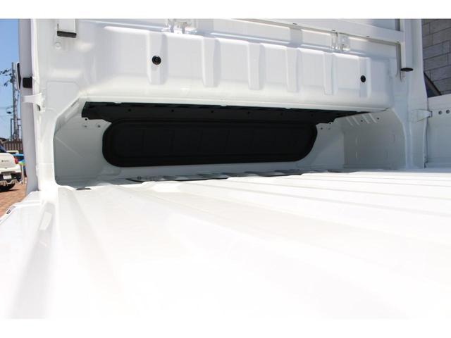 X 前方・後方誤発進抑制機能 5MT 荷台灯 ディスチャージヘッドライト エアコン キーレス(19枚目)