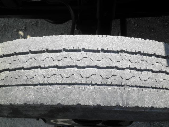 アイチ製12M高床作業車(8枚目)