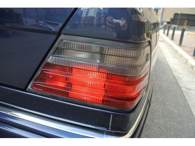 メルセデス・ベンツ M・ベンツ E320 ワンオーナー サンルーフ 本革シート 左ハンドル