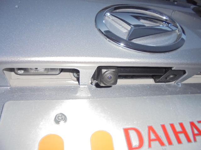 純正ナビ装着用アップグレードパック(バックカメラ、ステアリングスイッチ、6スピーカー)装着車です♪