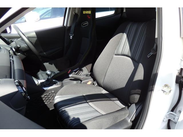 15MB 6MT ブリッドバケットシート 純正シートあり 車高調 社外マフラー エンケイ16AW ウインカーミラー LEDライト HIDフォグ ETC USB対応(13枚目)