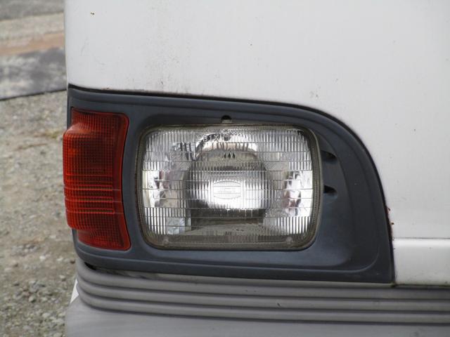 ベースグレード4WD 4MT(9枚目)