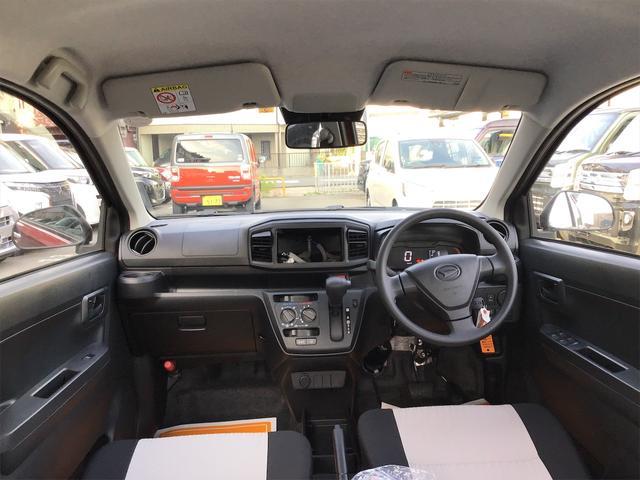 L SAIII クリアランスソナー 衝突被害軽減システム 4名乗り PS パワーウィンドウ VSC キーレスキー アイドリングS セキュリティアラーム オートライト 電格ミラー WエアB ABS 衝突安全ボディ AC(2枚目)