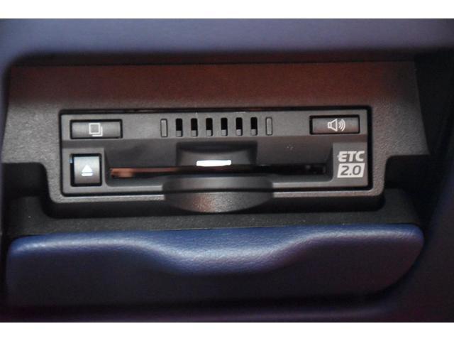 LC500 Lパッケージ TRDフルエアロ・三眼ヘッドライト・ETC2.0・パドルシフト・トランクスポイラー・メーカーナビ(18枚目)