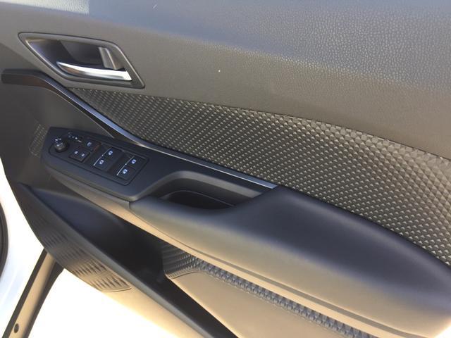 トヨタ C-HR HV S 新車未登録 実車有り