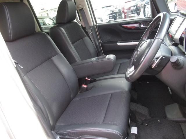 運転席は目線の高さがあり、長距離の運転でも疲れにくいシートとなっております♪