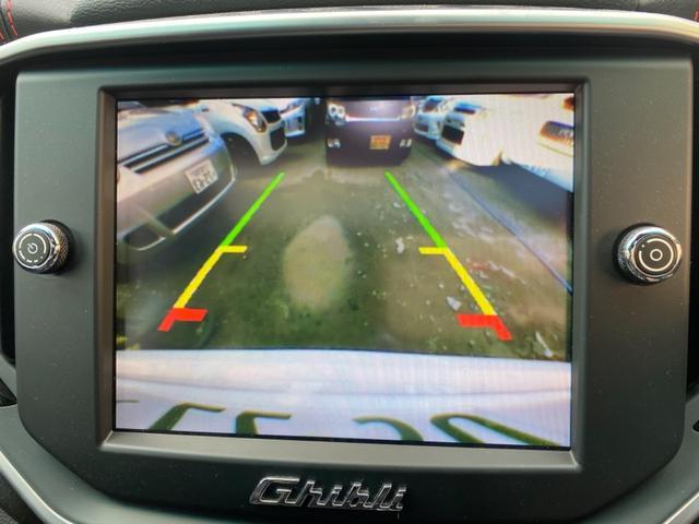 駐車の際など便利なバックカメラついてます!