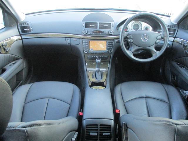 運転席からの視界も良く快適に運転することができます!!