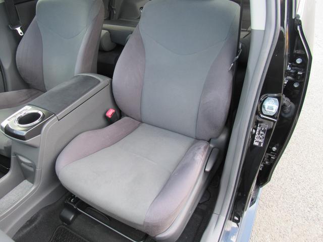 助手席側シートも使用感なく綺麗な状態です!