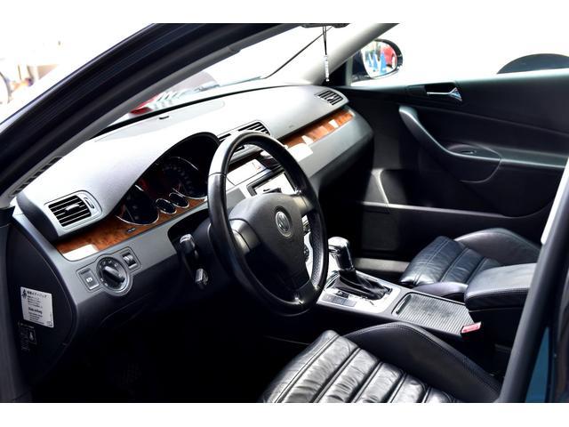 「フォルクスワーゲン」「VW パサートヴァリアント」「ステーションワゴン」「大阪府」の中古車24