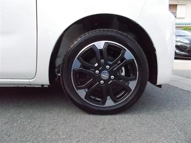 【純正アルミホイール】 タイヤ残り溝も十分 安心です。