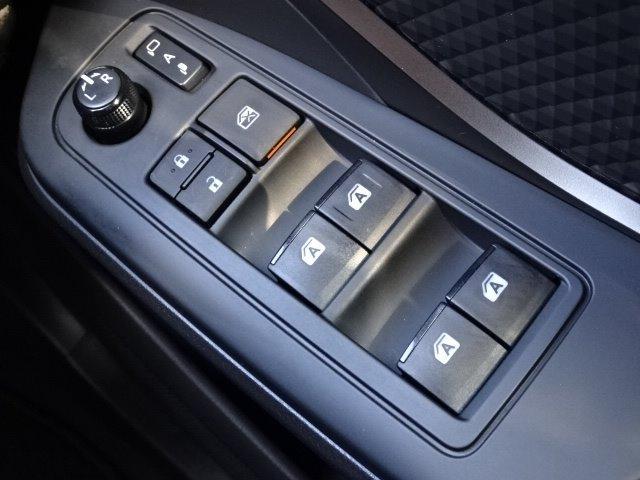 S-T LEDパッケージ 純正SDナビゲーション フルセグTV CD録音機能 DVD再生機能 Bluetoothオーディオ バックモニター LEDオートライト オートクルーズ トヨタセーフティセンス 自動格納ミラー ETC(23枚目)