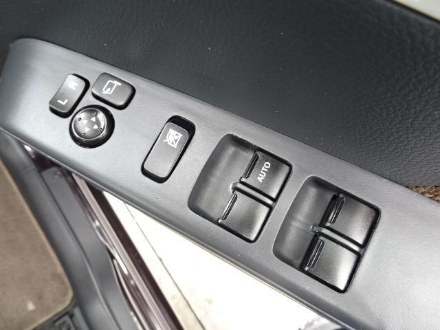 X ディスプレイ付き純正オーディオ CD再生 USB バックモニター 社外13インチAW 電動格納ミラー スマートキー プッシュスタート 純正セキュリティ UVガラス ヘッドライトレベライザー(29枚目)