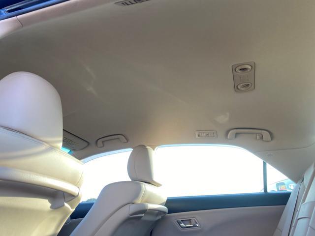 ロイヤルサルーン 純正HDDナビ 地デジTV バックカメラ スマートキー2個 プッシュスタート 革シート 電動シート シートヒーター コンビハンドル ETC ステアリングスイッチ クルーズコントロール ウィンカーミラー(20枚目)