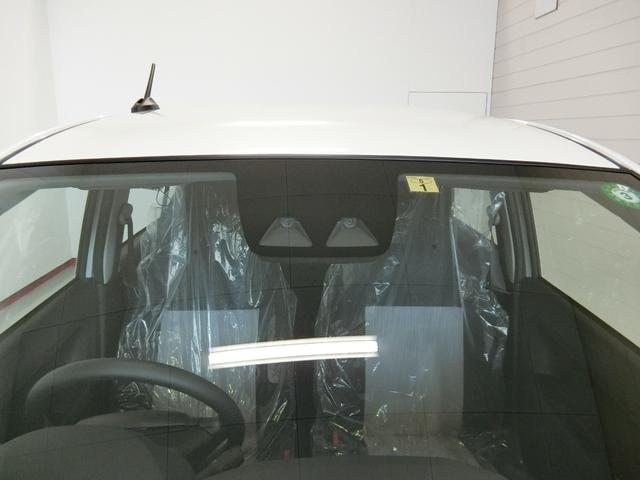 L SAIII 衝突被害軽減ブレーキ 横滑り防止装置 オートマチックハイビーム アイドリングストップ キーレスエントリー パワーウィンドウ 純正CDオーディオ エアコン 運転席助手席エアバック 純正ホイールキャップ(17枚目)