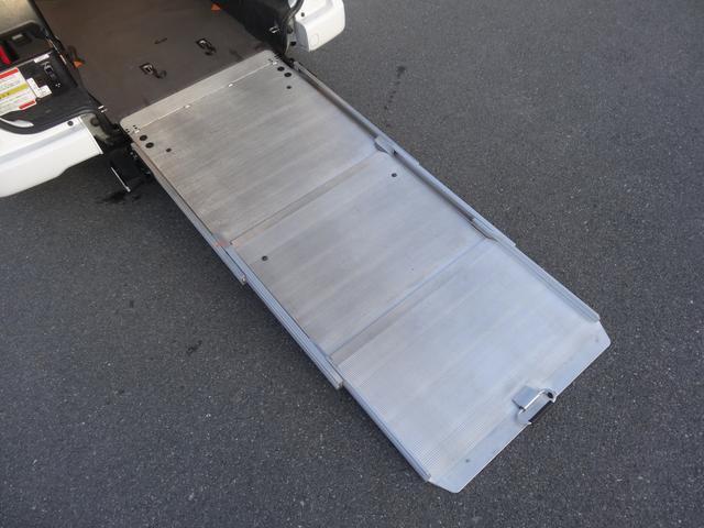 1.6チェアキャブ車いす1名 3列有 Aステップ Rクーラー(18枚目)