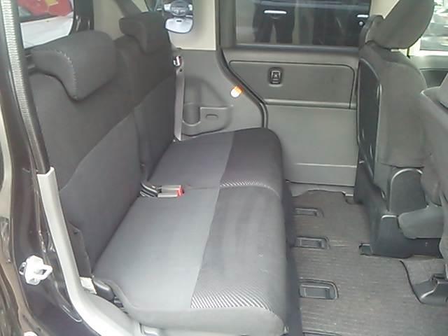 リヤシートもきれいな状態です♪全車☆ワックスコーティング☆内装クリーニング済み☆