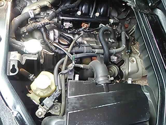 エンジンルームです。1ヶ月、または1000キロの保障が付いていますので、安心して下さい♪エンジンは、タイミングチェーン式になります♪