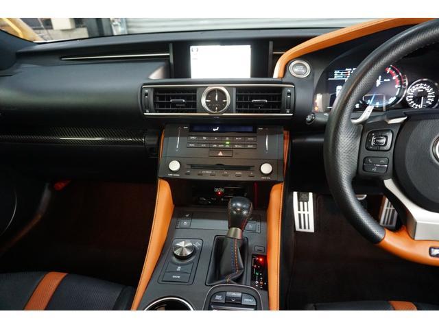 ベースグレード 本革 マークレビンソン TV クリアランスソナー シートヒータ バックカメラ 禁煙車 LEDヘッドライト クルーズコントロール(18枚目)