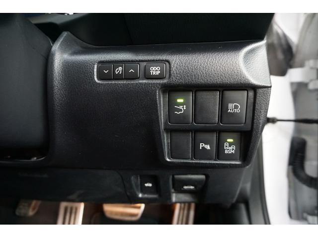 ベースグレード 本革 マークレビンソン TV クリアランスソナー シートヒータ バックカメラ 禁煙車 LEDヘッドライト クルーズコントロール(35枚目)