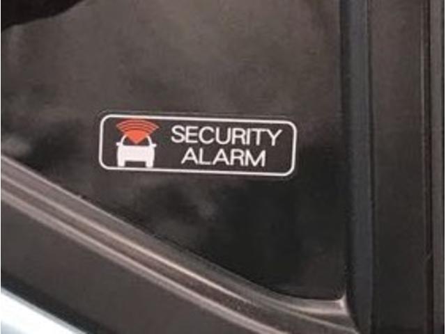 セキュリティーアラームが不在時のお車をお守りします。異常時には大きな音で周囲にお知らせします!