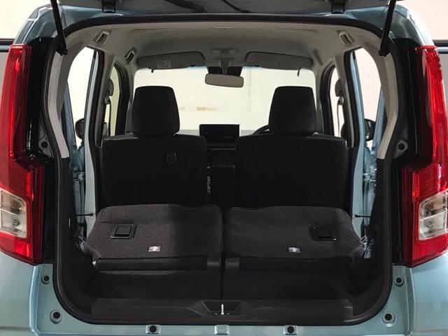 リヤシートを倒すと長さのある荷物の積載も可能です!