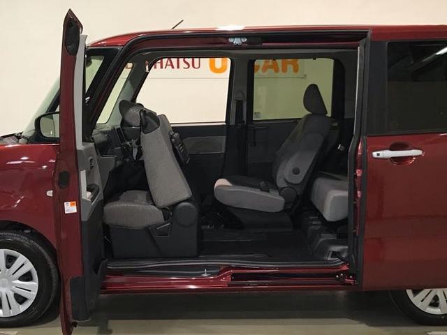 世界初運転席ロングスライドシートと助手席ロングスライドできるので運転席から後席へスムーズにアクセスできます!!