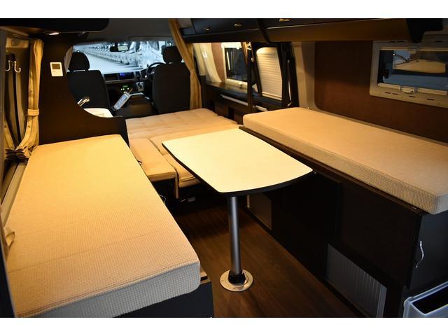 トヨタ ハイエースバン トイファクトリー バーデン 1500Wインバーター 出窓