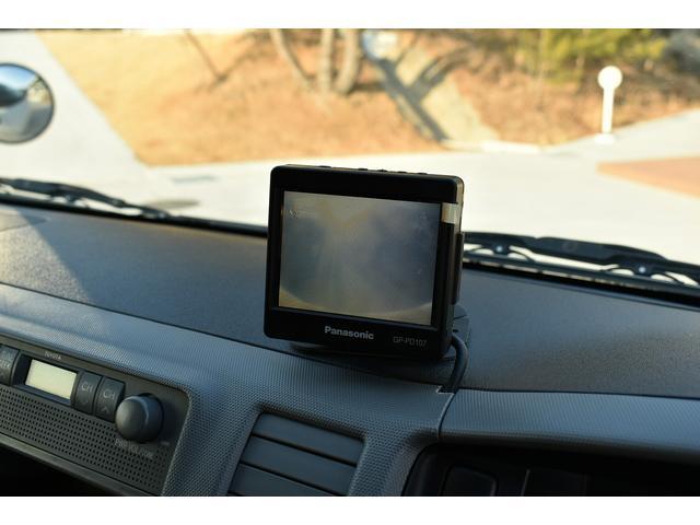 バックカメラ用モニターです。バックで駐車する際は大変便利です。お客様のご来店、スタッフ一同心よりお待ちしております。