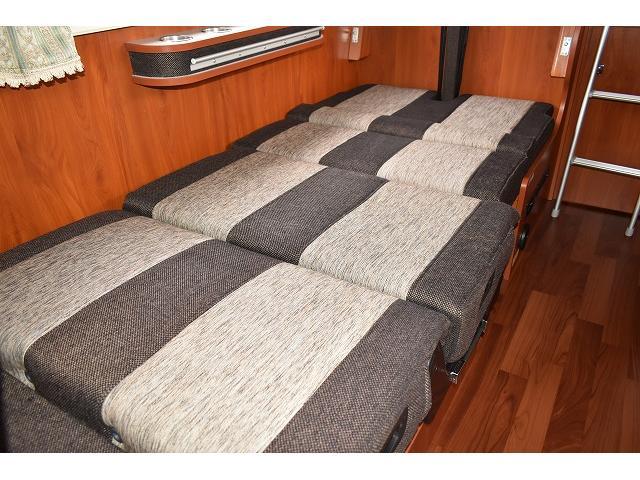 ベッド展開も簡単に出来ますよ♪大人1名が就寝可能です!