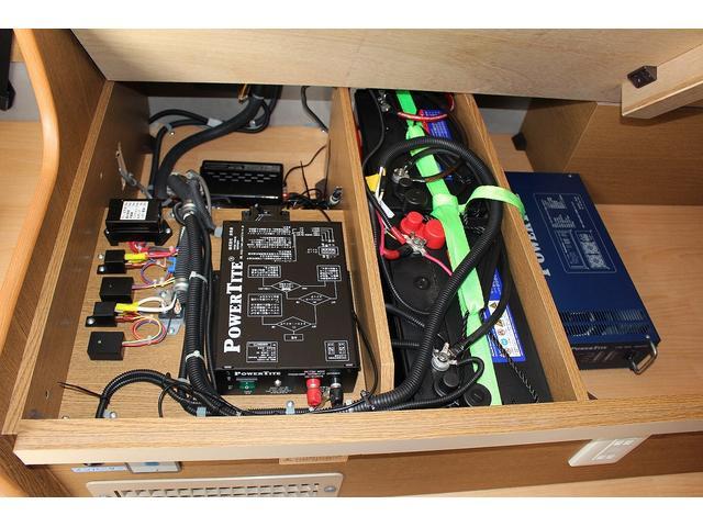 1500Wインバーター搭載ですので家電製品も使用可能です♪